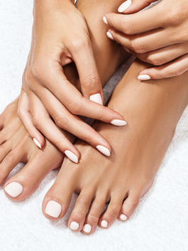 Nails & dINGEn - PEDICURE